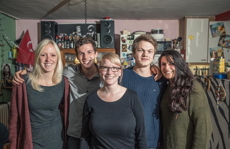 Von links: Helen (22), Philipp (25), Christin (24), Ferdinand (20), Evin (22) (Foto: Alexander Grantl / AKUT)