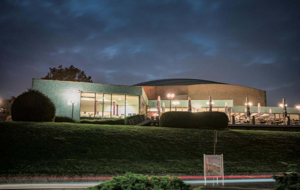 Beethovenhalle – Bonns Tempel am Rhein: organisch, praktisch, gut? (Foto: Alexander Grantl / AKUT)